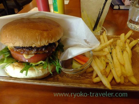 Hamburger, Kaukau Yawata (Motoyawata)