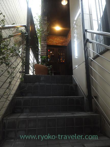 Stairs, Keimeisha Motoyawata (Motoyawata)