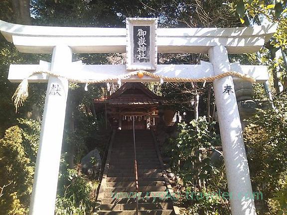 Torii, Mitake Jinja shrine (Oiso)