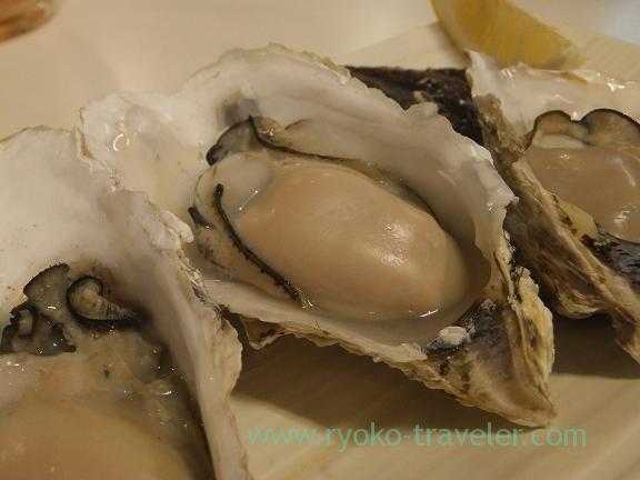 Grilled oyster from Shidugawa, Chika-no-iki (Tsukiji)